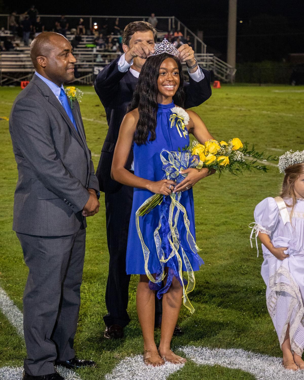 Saint James School Celebrates Homecoming 2021 - Crowning