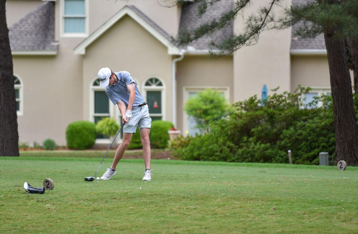 Catholic golfer qualifies for state tournament