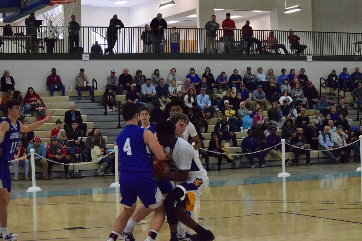 Curry leads Evangel back to finals