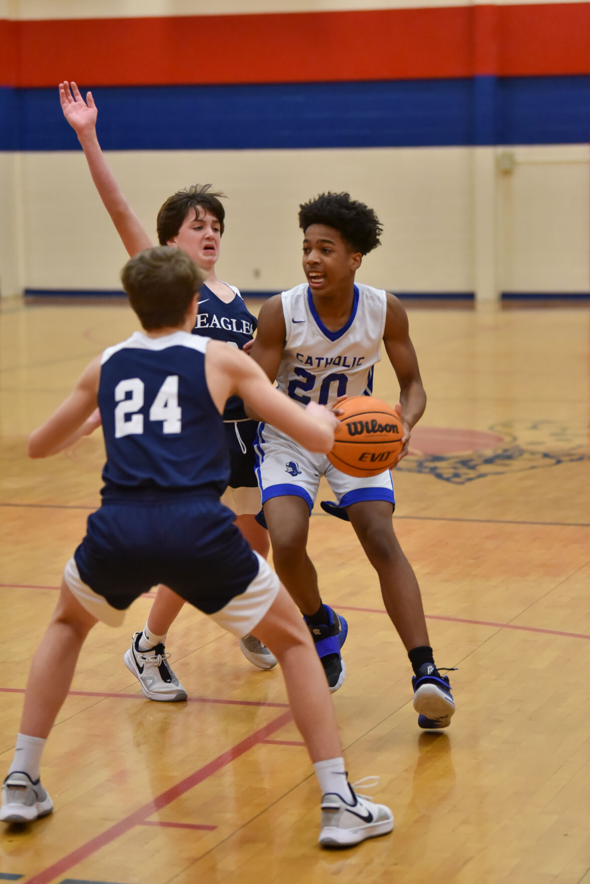 Montgomery Academy holds off Catholic for CCC middle school boys title