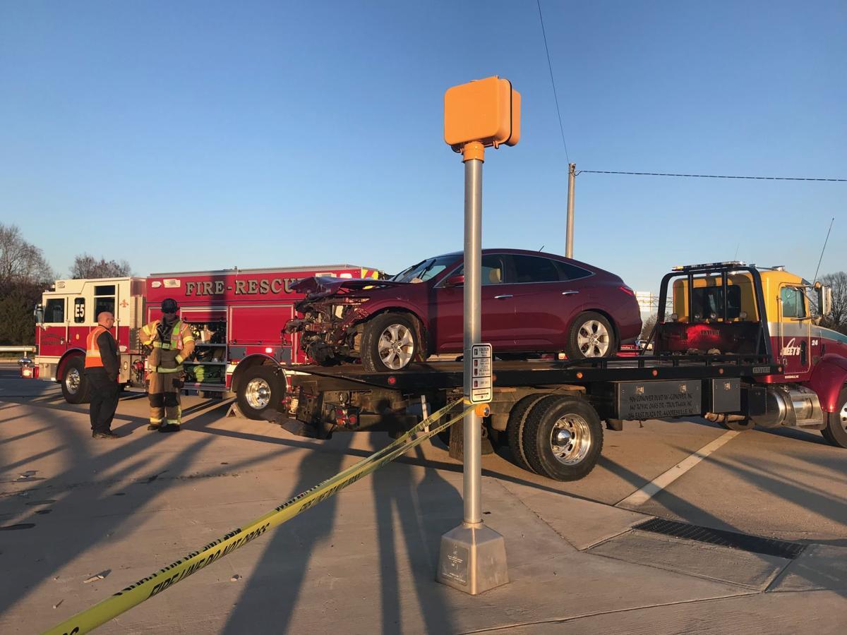 Brawley School Road crash halts traffic on I-77 in Mooresville