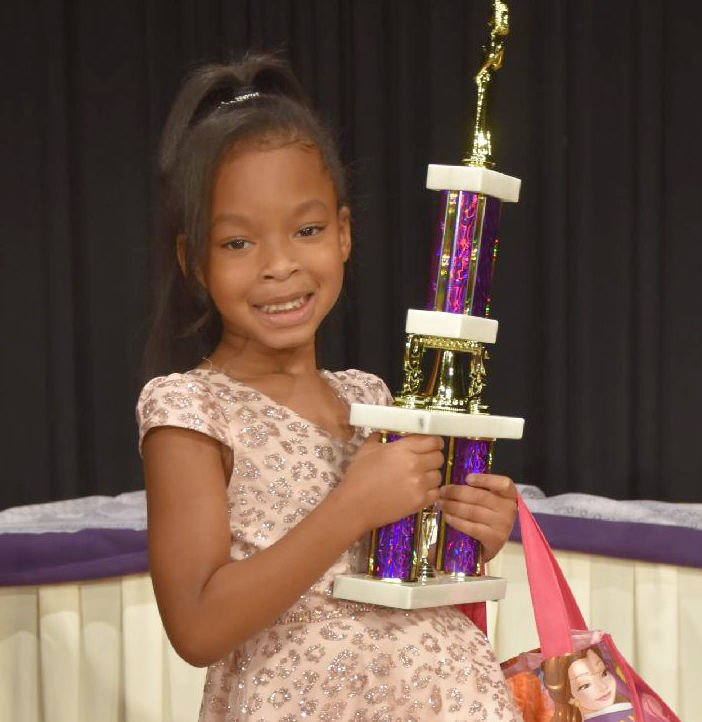 11-20 Khloe 1st runner up.jpg