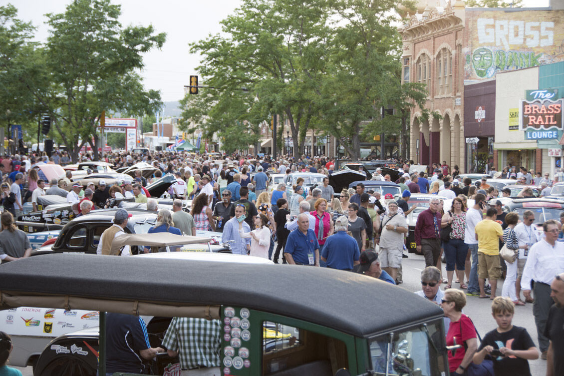 Huge crowd in Rapid City, S.D., enjoys the Great Race stop.jpg