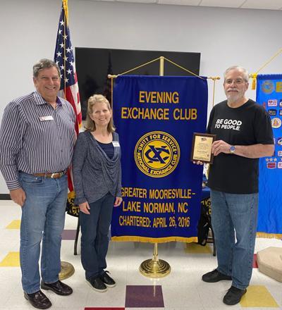 Evening Exchange Club presents award