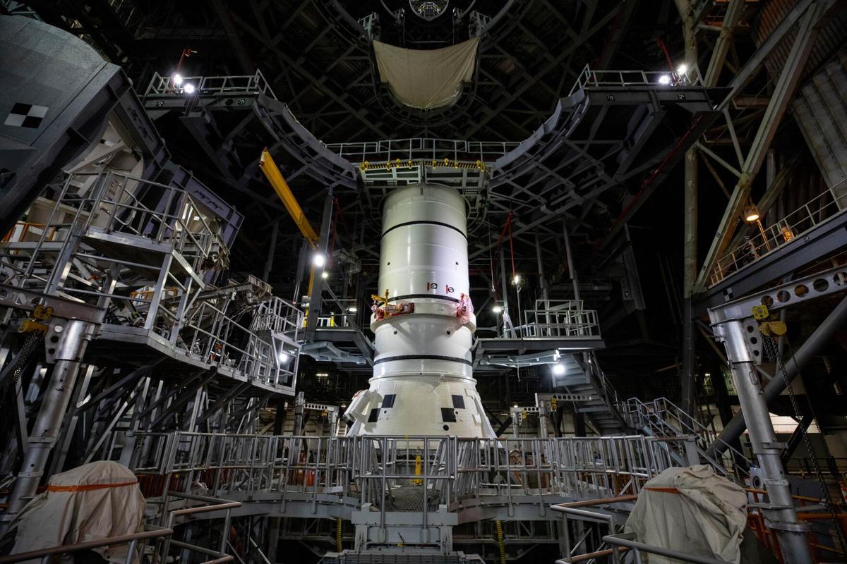 SLS Artemis I Aft Segment Stacking