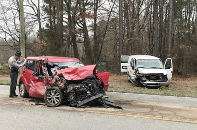 One hurt in three-vehicle crash in Troutman | News