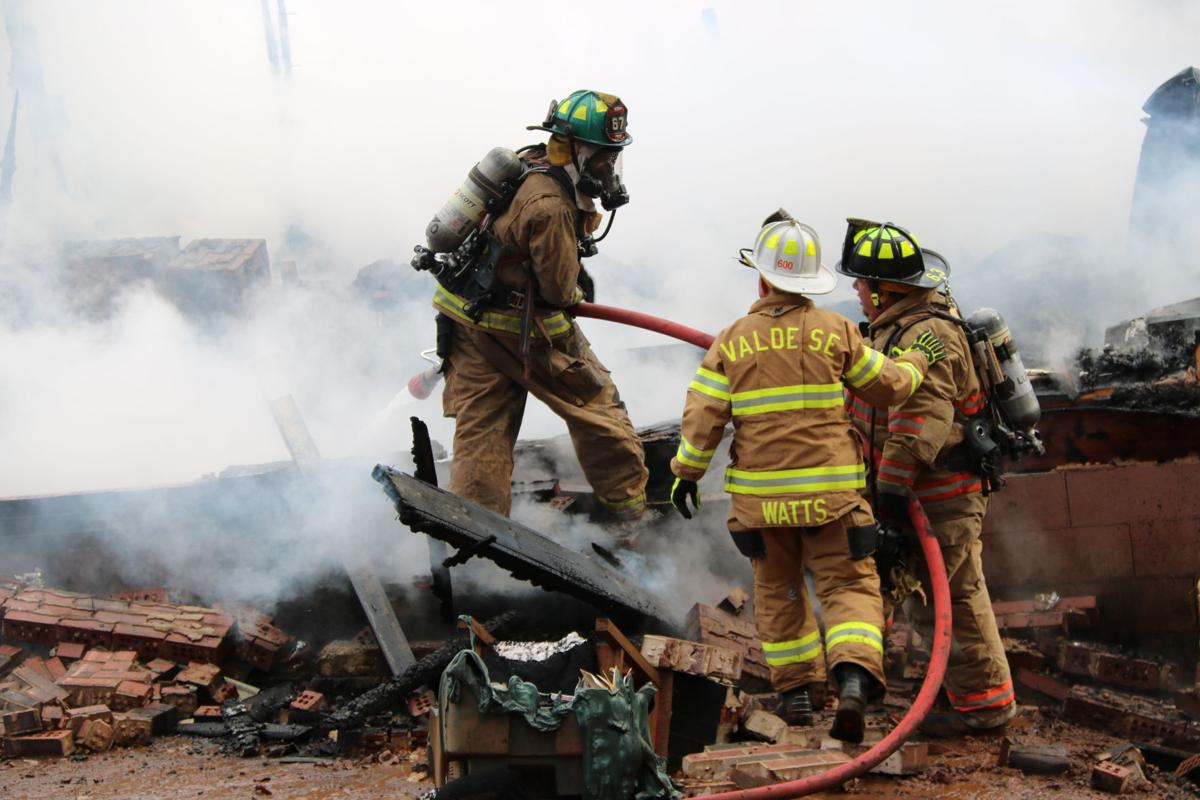 Lakeview Acres fire 120518 (41).JPG