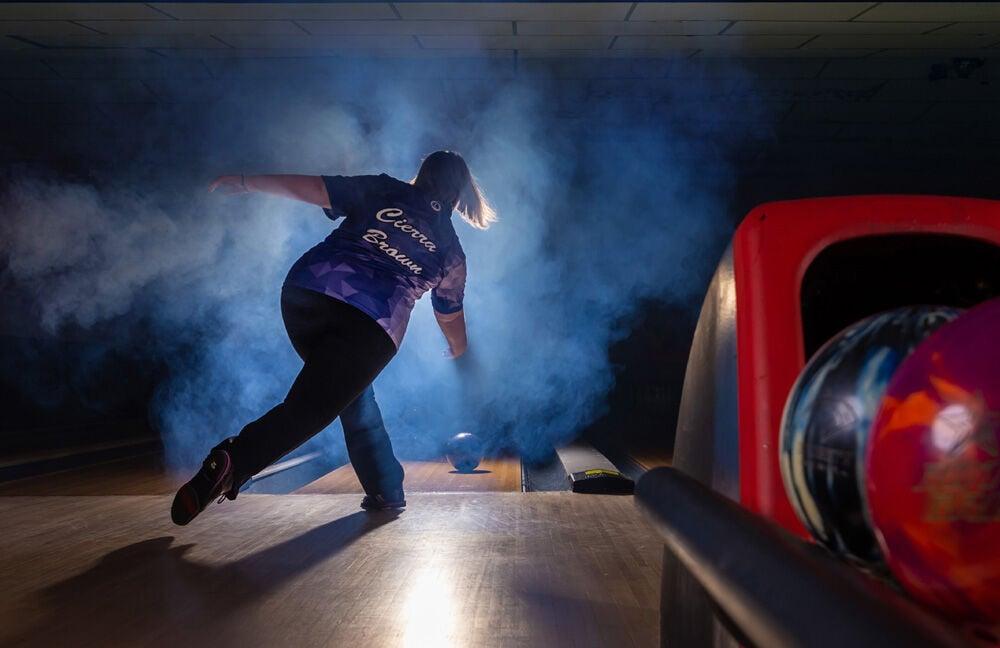 spl0705 Draughn Brown bowling signing  .jpg
