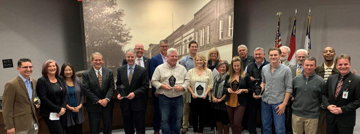 20191220_mnh_features_hickory-business-awards_p1