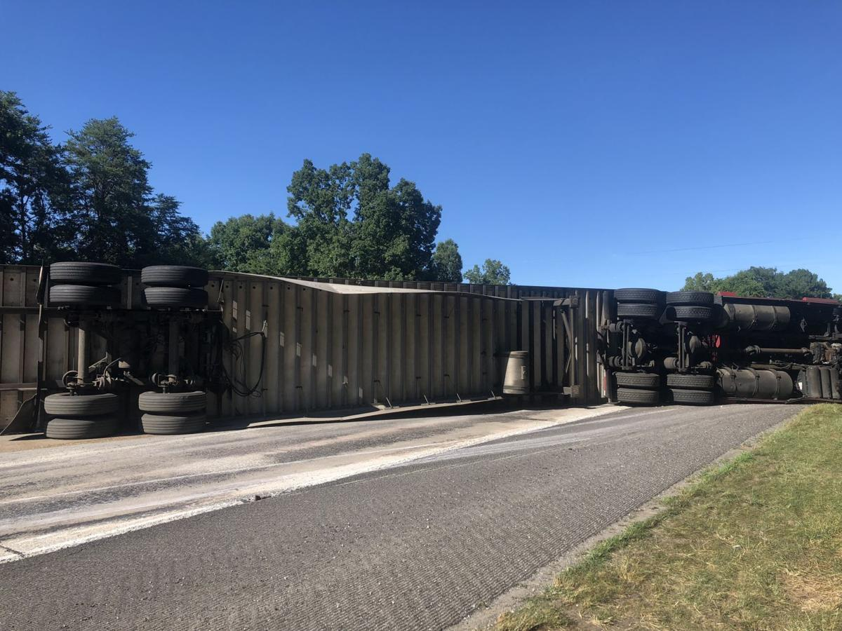 Tractor-trailer wreck blocks I-40 eastbound | News