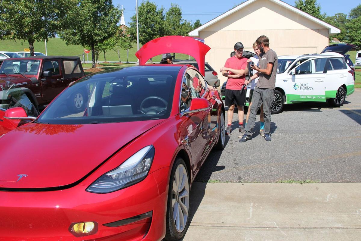electric cars 8 TESLA pic .jpg