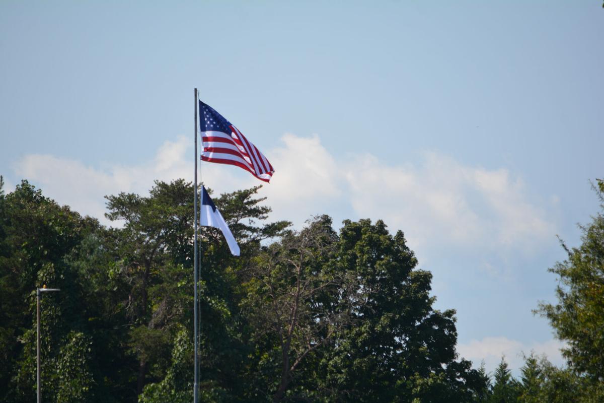 090820-mnh-news-flags-p1.JPG