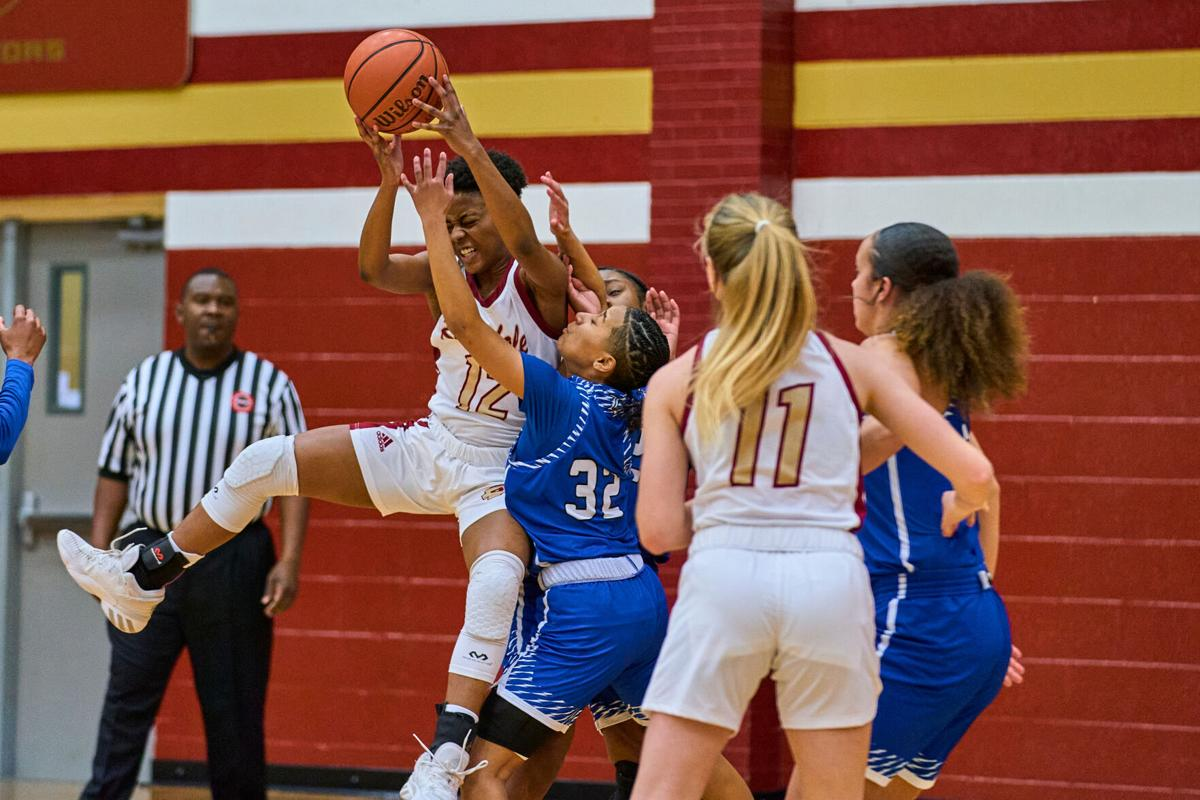 Riverdale takes District 7-AAA sweep over La Vergne