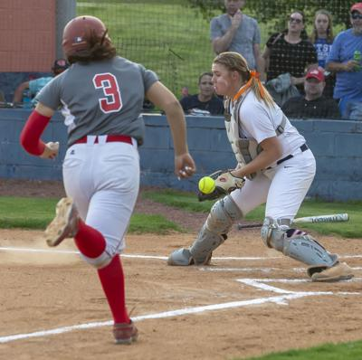 Blackman softball falls 8-1 to Ooltewah in sectional