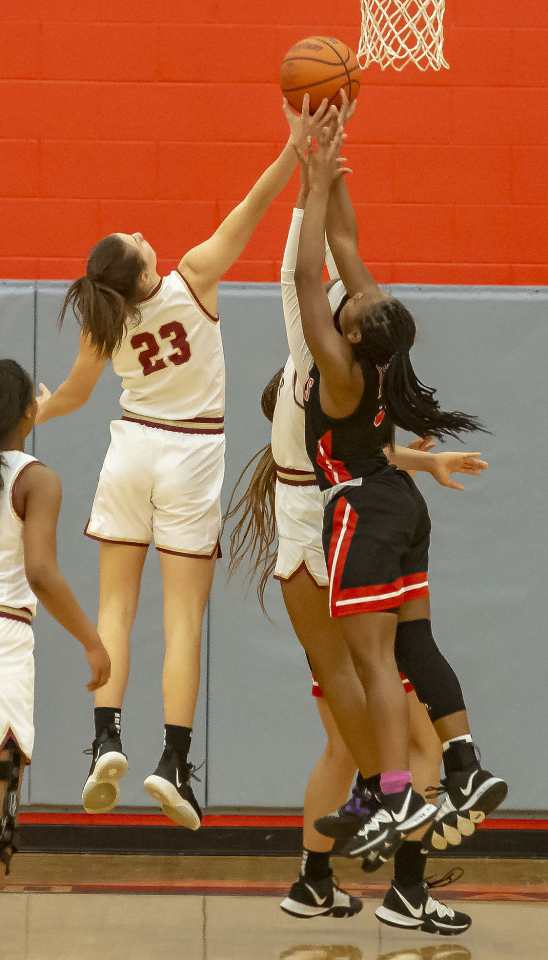 Riverdale girls hold off Stewarts Creek to reach title game