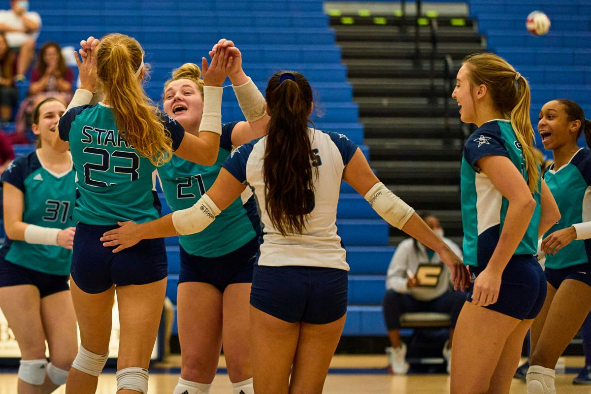 Siegel reaches state volleyball finals against Brentwood