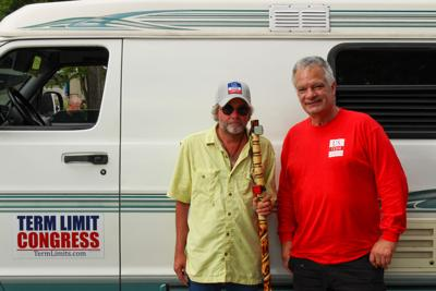 """Tennessean Tim """"Izzy"""" Israel treks across the country for congressional term limits"""
