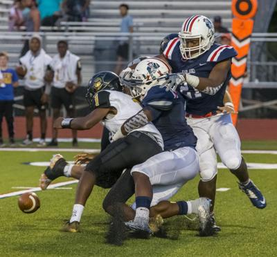 Oakland routs Kenwood 86-14 in home opener