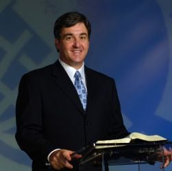 Chamber names WOC pastor 'Business Person of the Year'