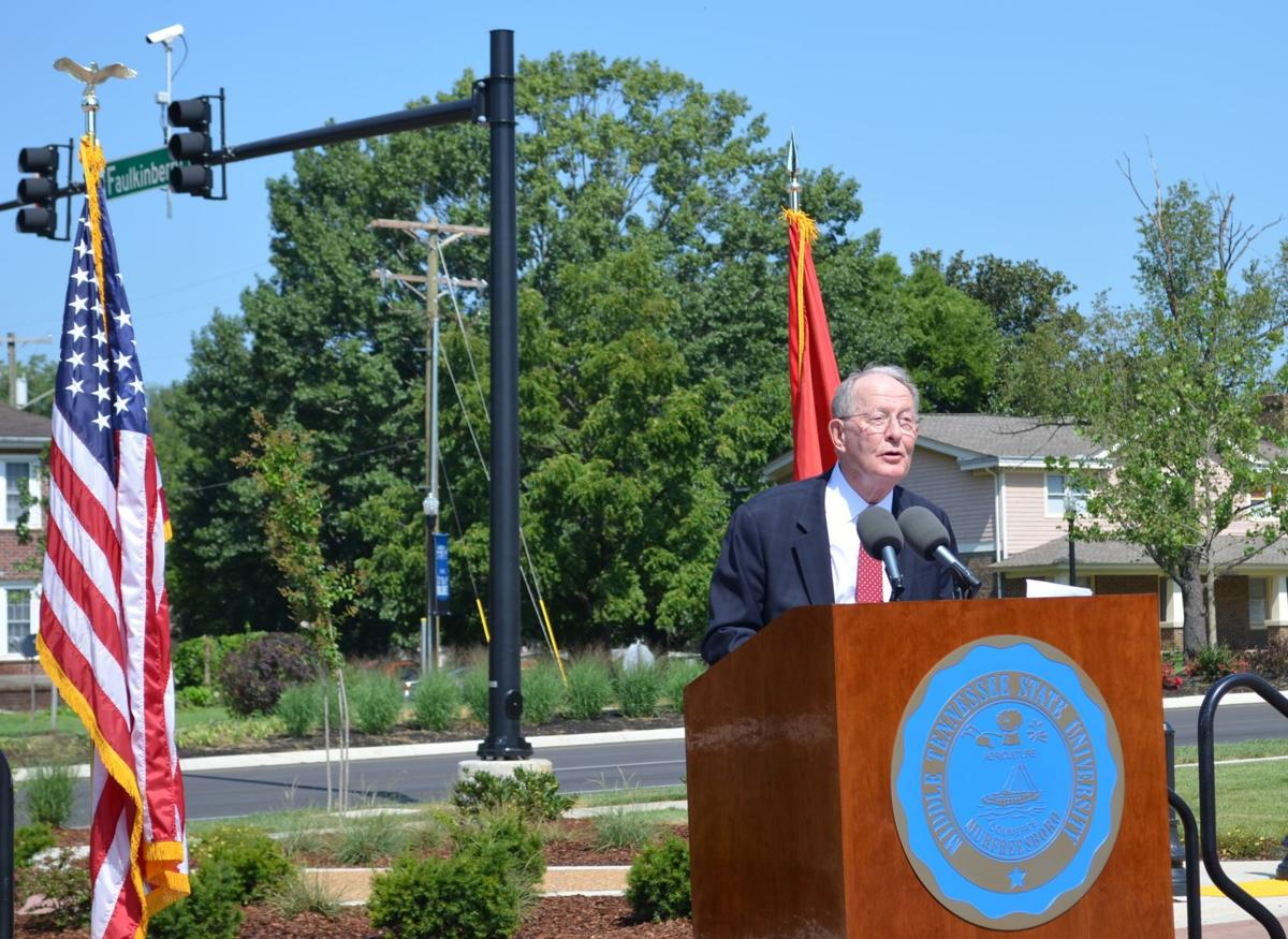 Lamar Alexander Pose 1 Middle Tennessee Blvd.JPG