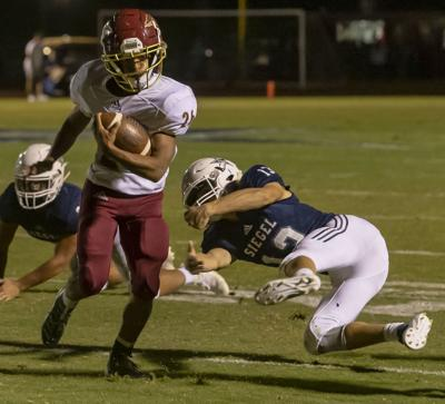 Riverdale pulls away from stubborn Siegel for 28-14 road win