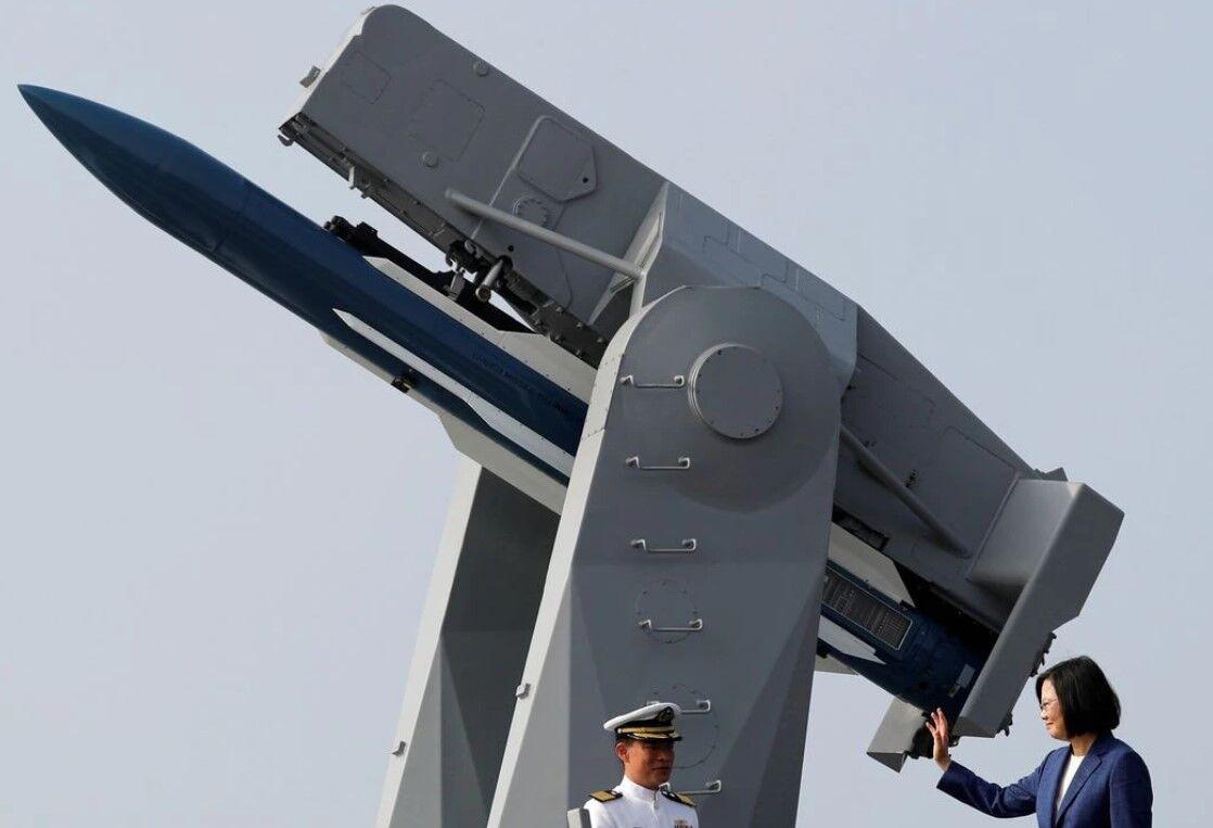 Taiwan needs long-range weapons to deter China