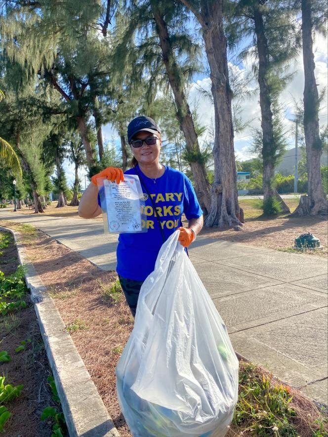 Rotarians conduct beach cleanup