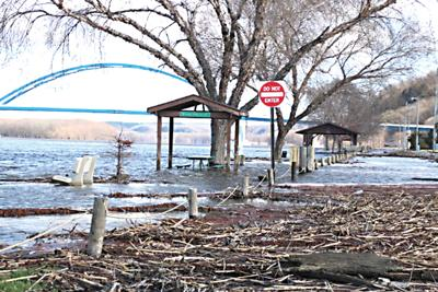 Weekend rainfall impacts Mississippi River flooding
