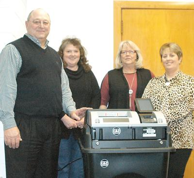 New voting machines for county primary