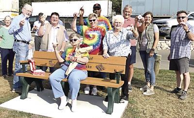 Marquette Park bench honors Irv Shrake
