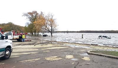 Driver drowns near Savanna