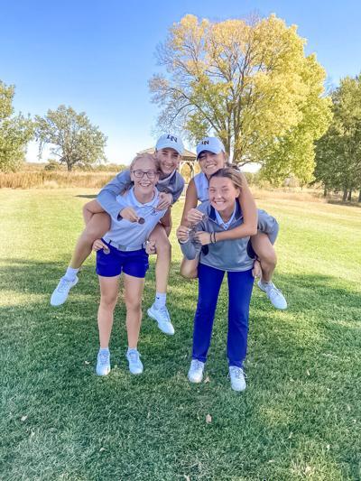 Eagles golfer Burkett wins district title, team advances to state