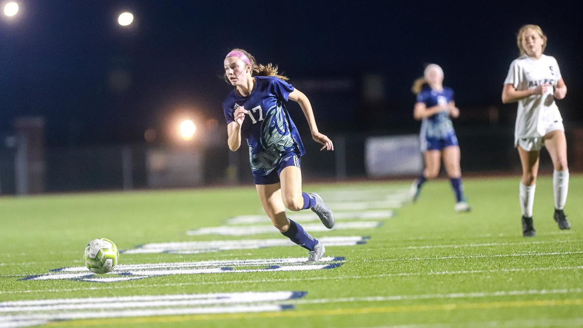 Liberty North girls soccer ends 3-game skid with win over Ray-Pec