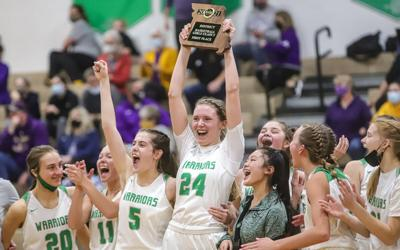 Smithville girls hoops win district title over 3-time defending champ Kearney
