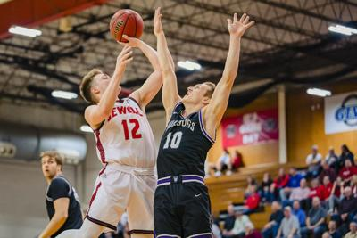 Cardinals hold on, down UIndy 70-69 on road