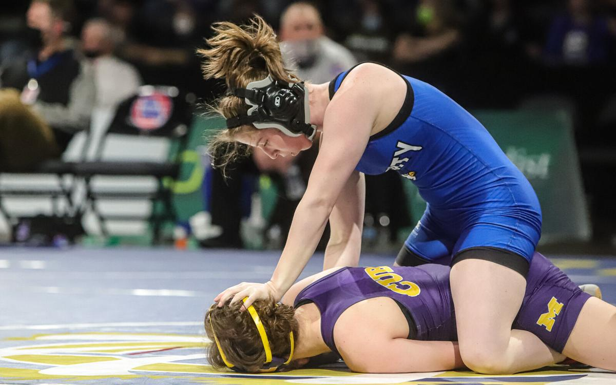 Kearney's Lexie Cole wins 3rd state title; Liberty's Breeden takes 3rd