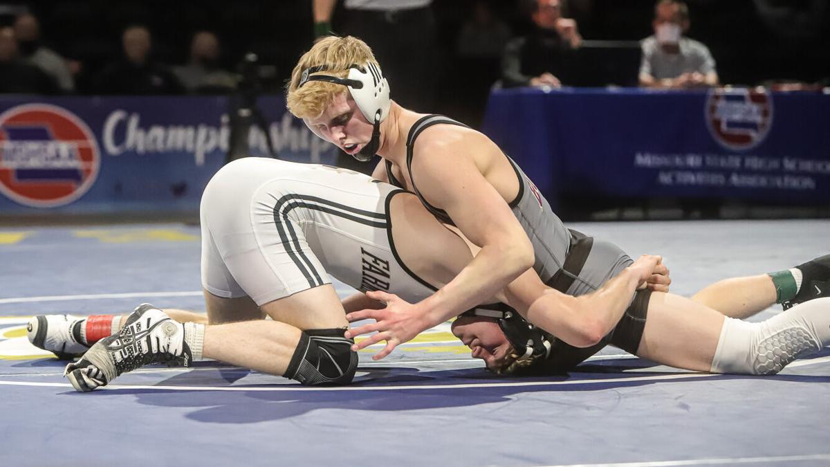 Kearney's Eli Ashcroft in boys wrestling finals-1.jpg