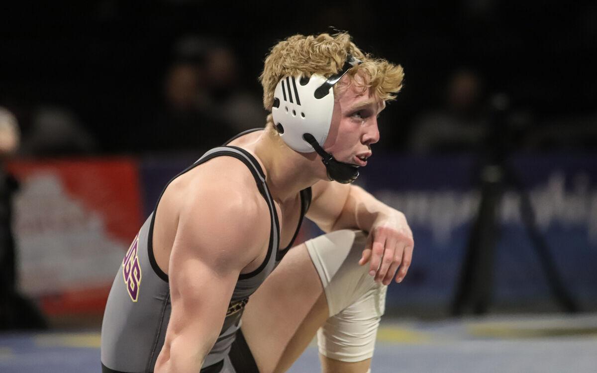 Kearney's Eli Ashcroft in boys wrestling finals-25.jpg