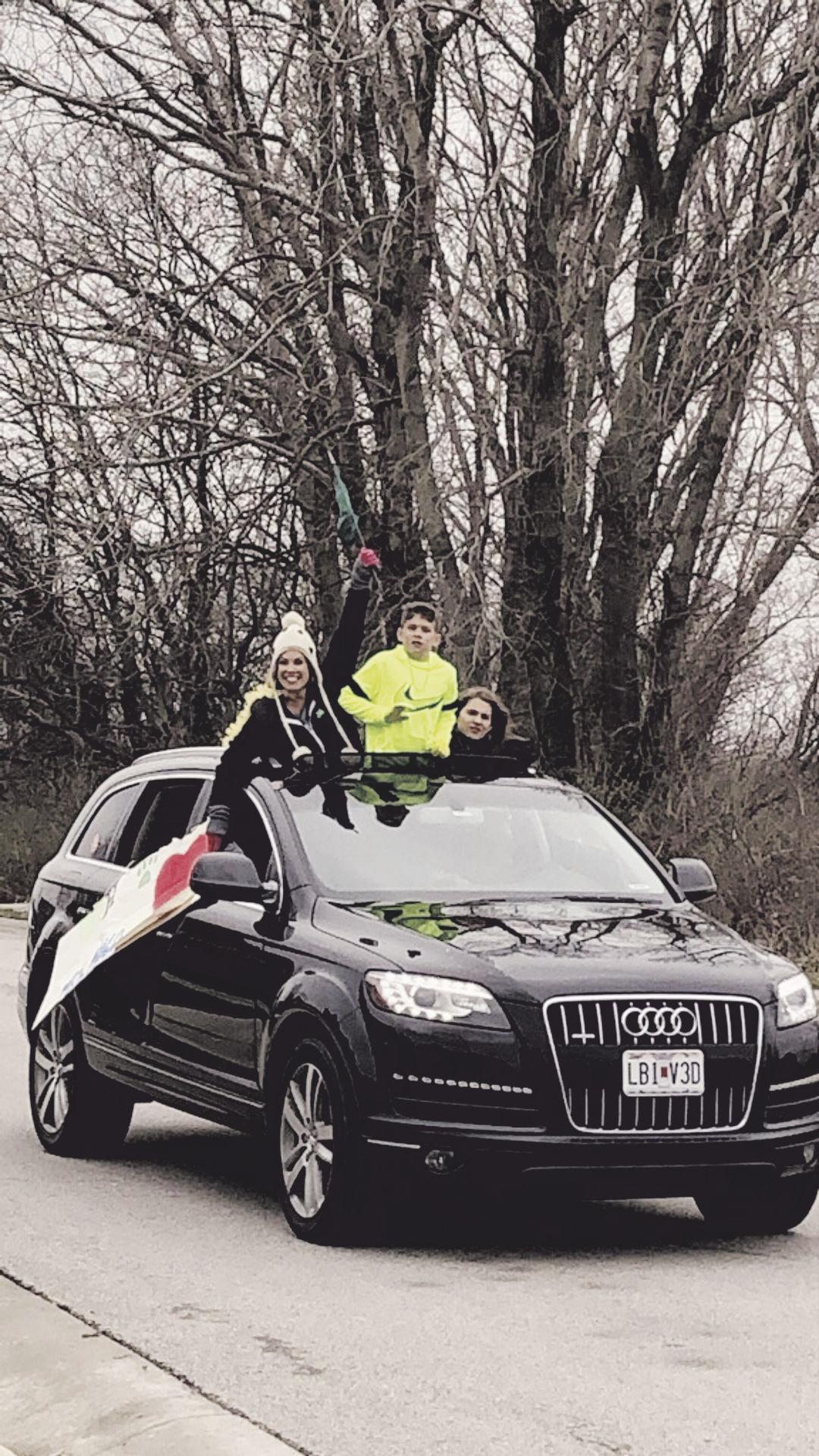 Car parades bring smiles to Northland neighborhoods