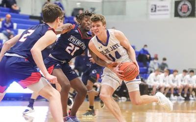 Liberty boys basketball advances to Show-Me Showdown final four