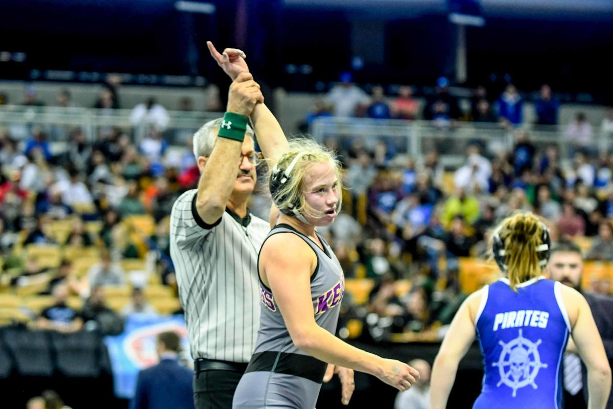 Jewell welcomes 14 competitors in inaugural class for women's wrestling program
