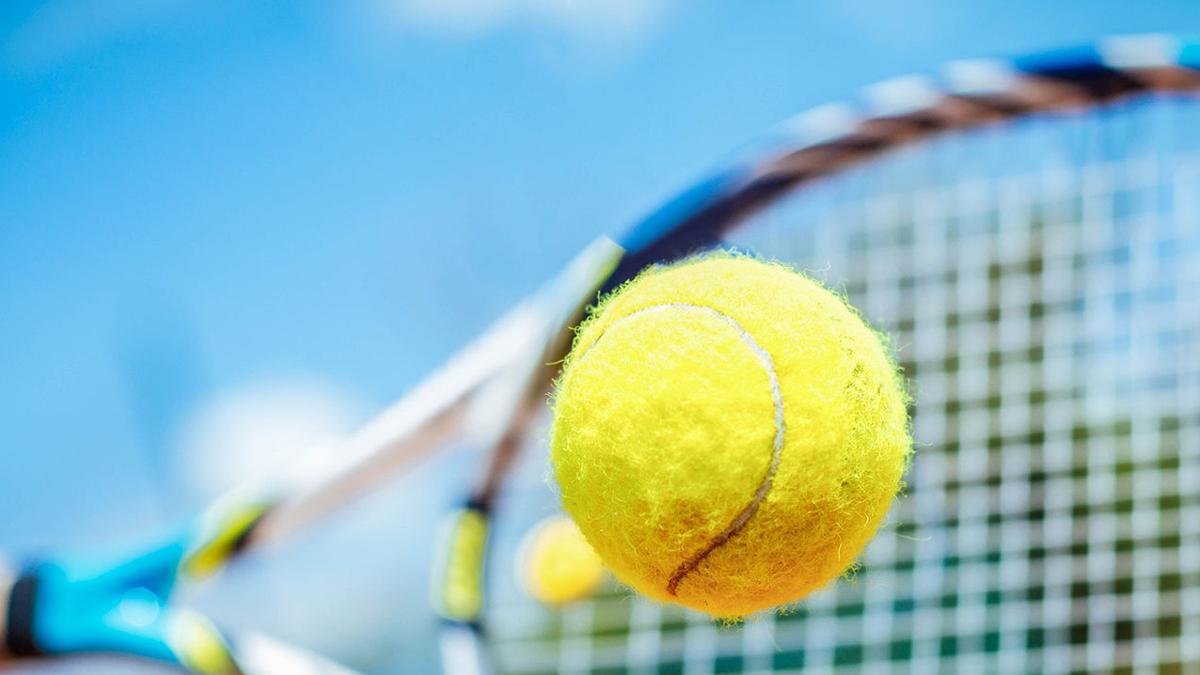 Bulldog tennis season ends