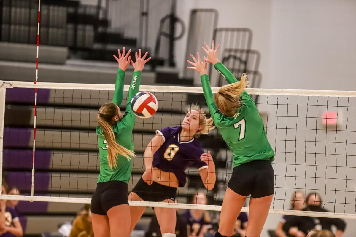 Kearney volleyball sweeps Smithville, advances to district final