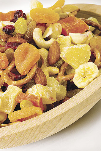 Experts discuss healthy summer snack options
