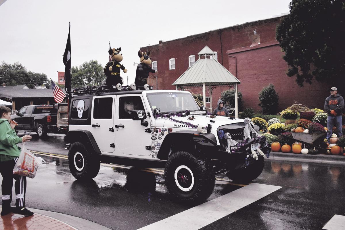 Octoberfest pushes through rainy days