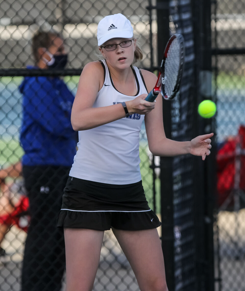 Eagles duo take 1st at districts; Liberty's Floray earns state bid