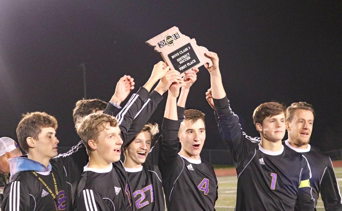 Bulldogs break through, conquer Warriors for district crown