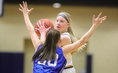 Eagles girls hoops earns season-sweep of Liberty for 1st time