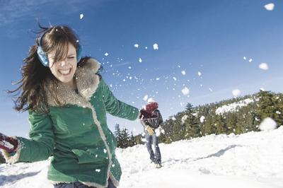 Skin Cancer Foundation shares winter sun protection tips