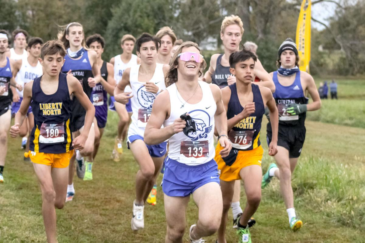 Eagles boys cross country top area teams with 3rd at KC Classic